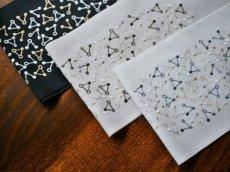 手刺繍 正絹 半衿 トライアングル