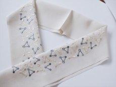 2.グレージュ×ブルーグレー 手刺繍 正絹 半衿 トライアングル