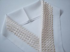 手刺繍 正絹 半衿 網代 ピンクベージュ